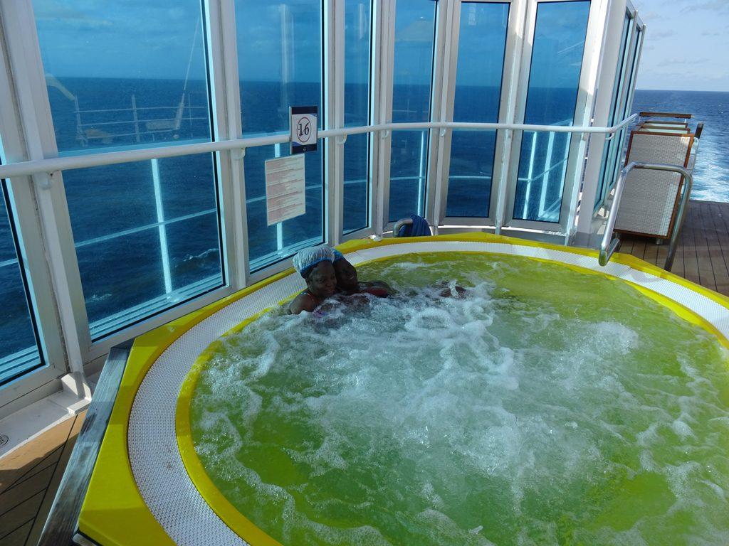Women-Cruise-Holiday-3